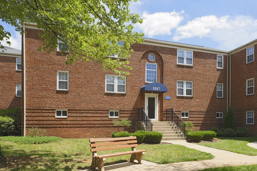 Cross Country Manor Apartments - Baltimore, MD