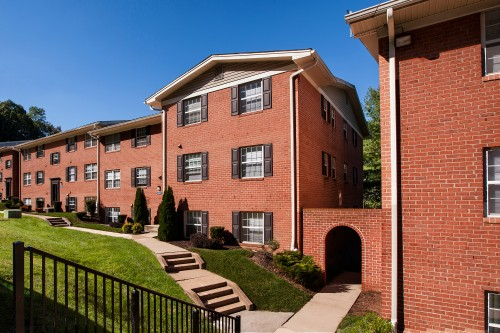 Kenilworth at Charles Apartments - Towson, MD