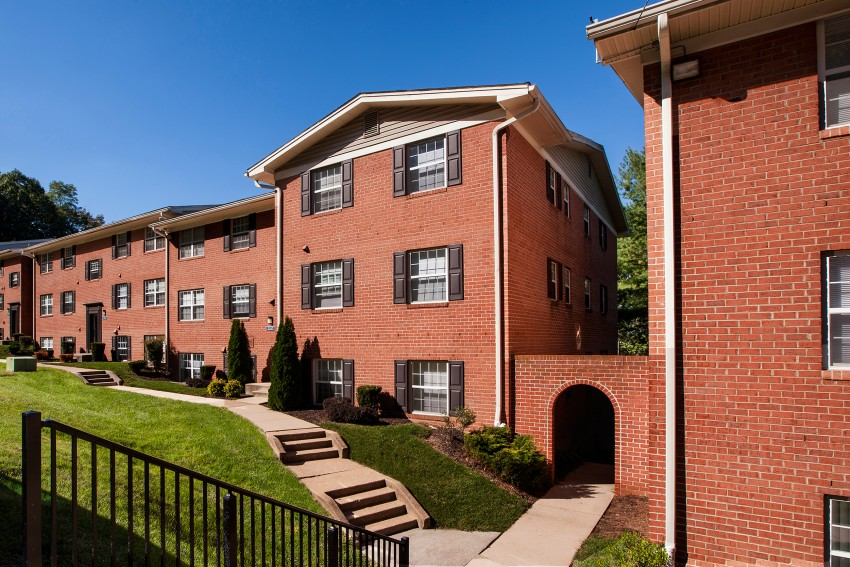 Kenilworth at Charles Apartments - Towson, MD