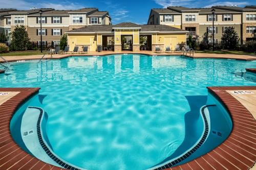 Avana-swimming-pool